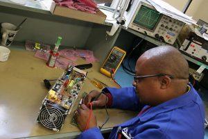 Multi-vendor electronic equipment repairs